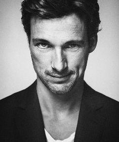 Florian David Fitz, Interview, German, Hat, Guys, Celebrities, Fictional Characters, Hot Guys, Deutsch