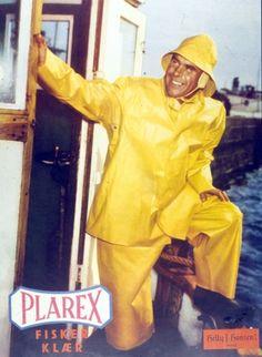 Hair Color For Brown Skin, Yellow Raincoat, Rain Gear, Helly Hansen, Rainy Days, Guys, Retro, Brown Things, Rain Coats
