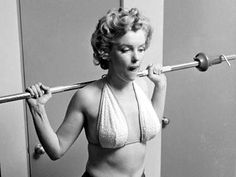 Philippe Halsman, Marilyn Monroe, workout sitting, 1952