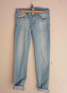 À vendre sur #vintedfrance ! http://www.vinted.fr/mode-femmes/jeans/35102691-jean-bleu-pull-and-bear