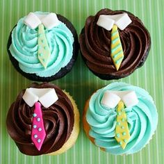 Cute & Sophistocated Shirt & Tie Cupcakes from Cupcakes Take the Cake dad day ideas, gifts for dad ideas, gift ideas for grandpa Cupcakes Bonitos, Cupcakes Decorados, Fathers Day Cupcakes, Fathers Day Cake, Cake Pops, Cupcakes Design, Yummy Cupcakes, Cupcake Cookies, Man Cupcakes