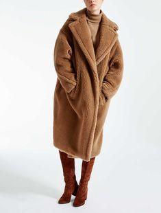 max mara aurelia teddy bear icon coat in camel wool with silk lining Long Fur Coat, Camel Coat, Wool Coats, Women's Coats, Plus Size Outerwear, Outerwear Women, Fur Coat Fashion, Teddy Bear Coat, Langer Mantel