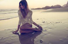 Turquoise Lane Look Book Hippie Chic, Bohemian Style, Boho Chic, Beach Photography Poses, Most Beautiful Dresses, Photoshoot Inspiration, Photoshoot Ideas, Festival Fashion, Boho Fashion