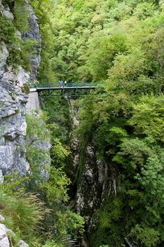 Devils Bridge, Tolmin Gorge (2.5km), Triglav National Park, Julian Alps, Slovenia