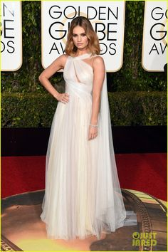 Lily James Golden Globes 2016 in Marchesa