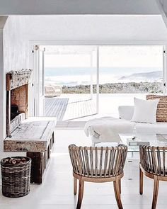 3 Fortunate Clever Hacks: Natural Home Decor Boho Chic Bohemian natural home decor living room interior design.Natural Home Decor Bedroom Simple natural home decor bedroom texture.Natural Home Decor Ideas Air Freshener. Beach Cottage Style, Beach House Decor, House On The Beach, Coastal Living Rooms, Coastal Bedrooms, Cottage Living, Nautical Home, Natural Home Decor, Home Fashion