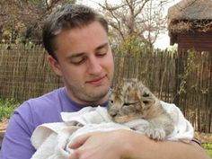 Live with lion cubs in South Africa | i to i