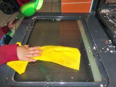 Πώς θα καθαρίσουμε το φούρνο; Σόδα Vs Αμμωνία Plastic Cutting Board, Tips, House, Home, Homes, Houses, Counseling