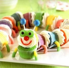 Colorful Caterpillar Cupcakes: I have a 2 year old who's favorite book is The Very Hungry Caterpillar. She's a huge fan of these cupcakes :) Cupcakes Gourmet, Cupcake Recipes, Mini Cupcakes, Cupcake Ideas, Birthday Cupcakes, Cupcake Art, Yummy Cupcakes, Party Cupcakes, Rainbow Cupcakes