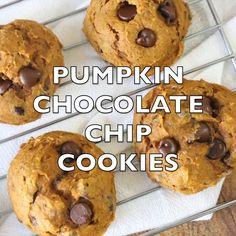 Easy 5 ingredient pumpkin chocolate chip cookies | 1001 Köstliche Desserts, Delicious Desserts, Dessert Recipes, Apple Desserts, Plated Desserts, Pumpkin Chocolate Chip Cookies, Chocolate Chip Oatmeal, Chip Cookie Recipe, Cookie Recipes