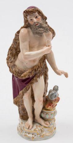 Figurino em porcelana Alema Meissen do sec.19th, 21cm de altura, 1,160 USD / 1,070 EUROS / 4,655 REAIS / 7,595 CHINESE YUAN soulcariocantiques.tictail.com