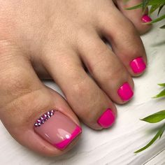 50 Unhas dos pés com joias de unha Square Nail Designs, Toe Nail Designs, Creative Nail Designs, Pretty Toe Nails, Cute Toe Nails, Pink Toe Nails, Minimalist Nails, Toe Nail Color, Toe Nail Art