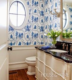Country Style Homes, French Country House, French Country Decorating, Modern Country, Blue White Bathrooms, White Rooms, Dream Bathrooms, Beautiful Bathrooms, Country Bathrooms