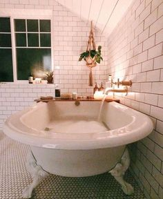 Modern Home Decor .Modern Home Decor Diy Bathroom, Small Bathroom, Bathroom Goals, Dream Bathrooms, Bathroom Ideas, Bathroom Tubs, Bathroom Vintage, Bathtub Ideas, Concrete Bathroom