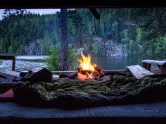 Yötä pitämässä Kalajan laavulla. Outdoor Life, Outdoor Decor, Camping Life, Food Pictures, Finland, Habitats, Wilderness, Paths, Travel Inspiration