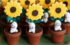 Frozen Fever snowgies and sunflower, flower pot, treats Frozen Fever Party, Frozen Birthday Party, Olaf Birthday, 5th Birthday Party Ideas, Frozen Theme, Third Birthday, Party Themes, Bolo Frozen, Snowman Party