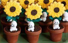 Frozen Fever snowgies and sunflower, flower pot, treats PLEASE PLEASE PRETTY PLEASE SO MUCH WANT :DDDDDDDDDDD