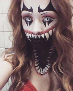 Clown makeup Halloween Huge mouth makeup Clown Make-up Halloween Riesiges Mund Make-up Creepy Clown Makeup, Gruseliger Clown, Circus Makeup, Creepy Halloween Costumes, Halloween Kostüm, Amazing Halloween Makeup, Halloween Face Makeup, Monster Makeup, Fx Makeup
