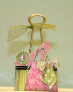 Other: Purse Altered Binder Clip - adorable Crafts To Sell, Diy And Crafts, Paper Crafts, Paperclip Crafts, Mini Binder, Paper Binder, Binder Clips, Purse Tutorial, Craft Show Ideas