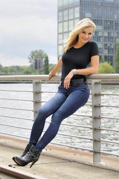 Realza tu cola de una forma natural con jeans de acuerdo a la forma de tu cuerpo. Si quieres un poco de volumen usa jeans rectos y con bolsillos y para esconder la barriga jean de talle alto. http://www.liniofashion.com.co/linio_fashion/pantalones-y-jeans?utm_source=pinterest&utm_medium=socialmedia&utm_campaign=COL_pinterest___fashion_jeanlevantacola_20141014_08&wt_sm=co.socialmedia.pinterest.COL_timeline_____fashion_20141014jeanlevantacola.-.fashion
