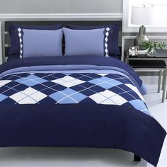 Oh yes, an argyle quilt! I'm putting this on my to-do list. It shouldn't be too hard to recreate with simple squares and bias stips, maybe? Or couching some cording might make an interesting texture. Navy Bedrooms, Blue Bedroom, Hgtv Designers, Full Comforter Sets, Beverly Hills Polo Club, Quilt Cover Sets, Home Decor Accessories, Luxury Bedding, Bed Sheets