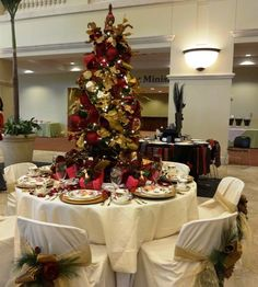 Christmas in Burgundy (Holiday Tables 2013-Idlewild Baptist Church)