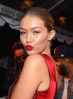 Gigi Hadid Photos - Gigi Hadid attends the Rihanna Party at The New York Edition on September 2015 in New York City. - Celebrities Attend the Rihanna Party at The New York EDITION Gigi Hadid, Red Lipstick Looks, Date Night Makeup, Beauty Hacks Skincare, Victoria Secret Show, The Beauty Department, Glamour, Holiday Makeup, Hollywood Life