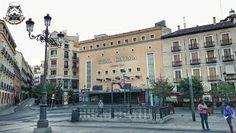 El Real Cinema fue una sala de cine ubicada en la plaza de Isabel II. Abrió sus puertas en Madrid el día 15 de mayo de 1920, siendo inaugurado por Alfonso XIII proyectándose la película Francia Pintoresca, El cuarto número 23, La hija del Plata y las Vacaciones de Solly. Con una capacidad para 1000 butacas, 54 palcos se convirtió en uno de los mayores cines en toda España (wikipedia). Madrid, España.  #plaza #square #cine #cinema #realcinema #opera #metro #tube #madrid #españa #spain