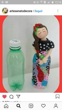 Папье-маше How to make doll Papier-mache: Artesanato Brasil, Artesanato Decoração, Artesanato Com Pet, Artesanato Em Feltro, Decoupage Em Vidro Recycled Crafts, Diy And Crafts, Crafts For Kids, Arts And Crafts, Plastic Bottle Crafts, Wine Bottle Crafts, Paper Mache Crafts, Doll Crafts, Craft Projects