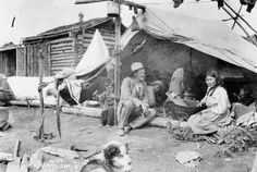 Klondike Gold Rush Deaths | Bobbie Vaden - A PILGRIM'S PARABLE Yukon Canada, Gold Miners, Gold Prospecting, Call Of The Wild, Le Far West, Gold Rush, Old West, Pilgrim, Old Pictures