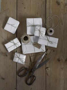 Beautiful Christmas vibe with muted colors by Lotta Agaton. Hygge Christmas, Noel Christmas, Christmas Fashion, Christmas Wrapping, Little Christmas, Mistletoe And Wine, Christmas Decorations, Holiday Decor, Christmas Inspiration