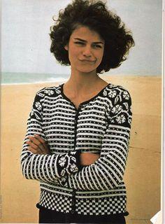 Like the details Fair Isle Knitting Patterns, Knitting Designs, Knit Patterns, Motif Fair Isle, Fair Isle Pattern, Crochet Woman, Knit Crochet, Leather Apron, Boleros