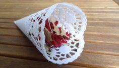 Tüten aus Tortenspitze für Blüten, Süßigkeiten, Konfetti oder ähnliches bei der Hochzeit Mehr