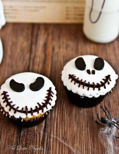 The idea of making cupcakes for Halloween - gourmet cupcake recipes Halloween Desserts, Scary Halloween Cakes, Halloween Cupcakes Decoration, Postres Halloween, Halloween Treats, Halloween Party, Halloween Recipe, Homemade Halloween, Holiday Treats