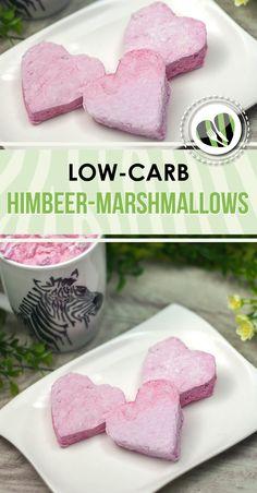 Die Himbeer-Marshmallows sind low-carb, kalorienarm und ultra lecker. Das Rezept gibt es auf www.schwarzgrueneszebra.de