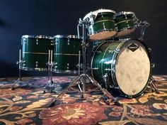 Matt Chamberlain's new Craviotto drum kit in Cadillac Green. Original pic from… Cool Wraps, Dope Music, How To Play Drums, Snare Drum, Drum Kits, Percussion, Music Instruments, Drummers, Cool Stuff