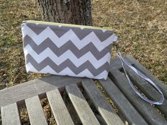 Wristlet with Boxed Corners