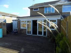 S.S.T.C. DECEPTIVELY LARGE 2 BEDROOM SEMI DETACHED HOUSE LAKEVIEW, CANVEY ISLAND
