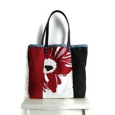 Schoudertas, shopper, verstelbaar. Zwart, rood en bloem