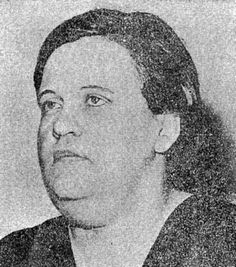 Marie Porter was 37 years old when went to the electric chair in Illinois on January 28, 1938. She had ordered the murder of her brother for $ 3,300 in life insurance. He was killed on his wedding day, hours before his fiancée would have replaced Porter as beneficiary.