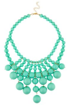 Mint, mint, mint. Love this necklace. Great with pink skinny jeans or navy skinny jeans. ohhhhhh me oh my
