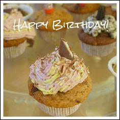 Strawberry-Vanilla-Cupcakes Vanilla Cupcakes, Special Recipes, Muffin, Strawberry, Meals, Breakfast, Food, Credenzas, Morning Coffee