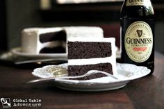 "Guinness-Chocolate-Cake ~ dark chocolate Guinness cake with Baileys butter cream frosting! Can you say ""YUM""! Chocolate Guinness Cake, Dark Chocolate Cakes, Chocolate Baileys, Just Desserts, Delicious Desserts, Dessert Recipes, Frozen Desserts, Yummy Food, Cupcakes"