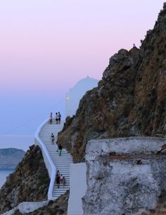 Going up the steps of Agios Konstantinos Church, Chora Serifos island Cyclades Mykonos, Santorini, Paros, Greek Island Holidays, Island Inn, Greek Beauty, Greece Holiday, Greek Islands, Travel Inspiration