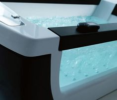 totally awesome tub!