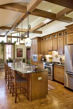 Contemporary Oak Kitchen Design, Pictures, Remodel, Decor and Ideas - page 19 Painting Oak Cabinets White, Light Oak Cabinets, Oak Kitchen Cabinets, Walnut Cabinets, Cherry Cabinets, Shaker Cabinets, Granite Kitchen, Shiloh Cabinets, Green Kitchen Island