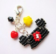 Mickey Mouse ears seed bead charm from etsy seller: migotochou