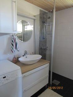 Pieni pesuhuone toimivaksi. Bathroom, Bathtub