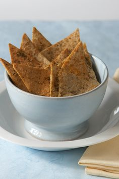 #Epicure Greek Pita Chips #goodfoodrealfast Epicure Recipes, Dip Recipes, Clean Recipes, Potato Recipes, Fast Healthy Meals, Easy Meals, Greek Pita, Good Food, Yummy Food