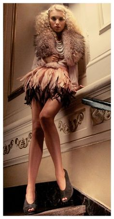 Alice + Olivia Francesca Feather Skirt in Pink - Lyst Alice Olivia, Ruffled Feathers, Feather Skirt, Feather Fashion, Fashion Photography Inspiration, Hair Shows, Dress Me Up, World Of Fashion, Beautiful Outfits